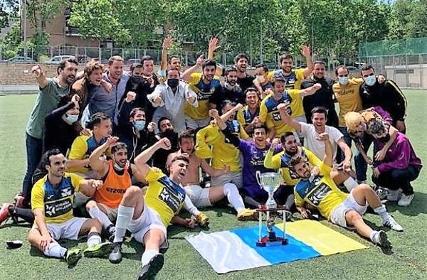 El fútbol canario en Madrid logra el ascenso a Segunda Regional tras ser Campeón en el grupo 10º de Tercera Regional