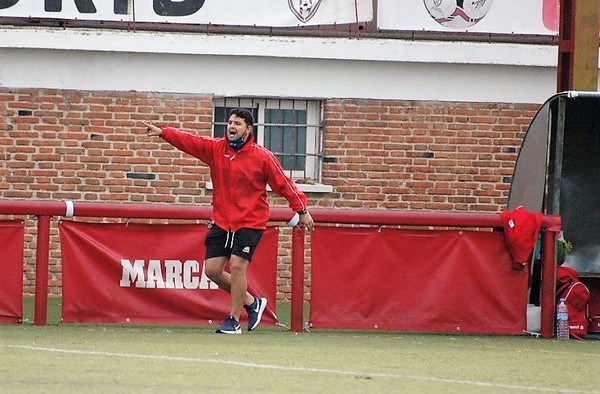 Nacho Raboso deja de ser el entrenador de La Mutual Juan XXIII