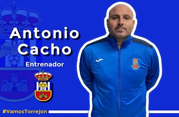 """Antonio Prados """"Cacho"""", renueva como entrenador del C.F. Torrejón de la Calzada para la temporada 2021/22"""