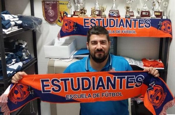 Manu Guzmán continuará por quinta temporada entrenando al EF Estudiantes Alcorcón