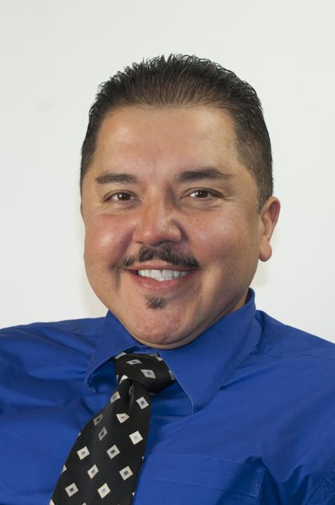 Gus  Quintana  Bio Image
