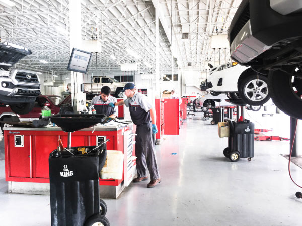 Our Service Department Is A State Of The Art Clean Facility That Looks  Forward To Providing For You And Your Toyotau0027s Needs! Use Our Website To  Browse All ...