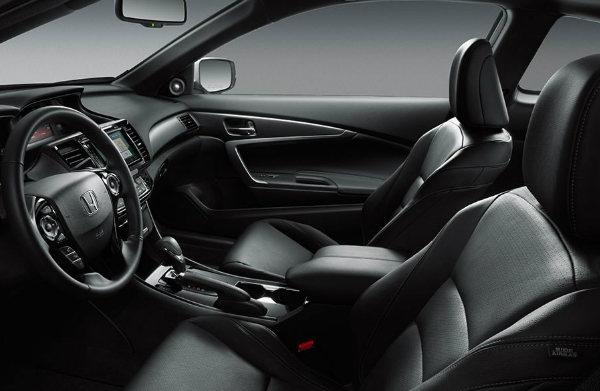 2017 Honda Accord Coupe front seat