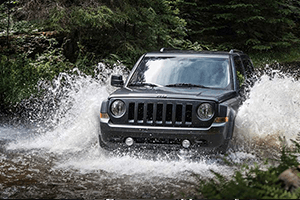 blue 2017 jeep patriot river