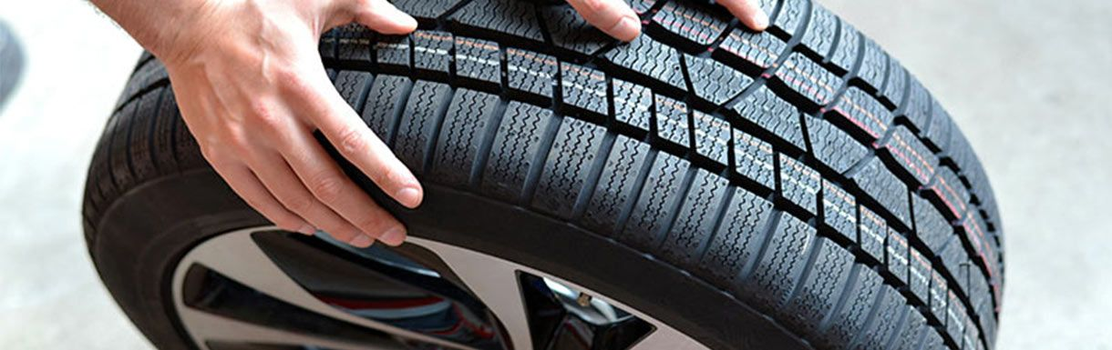 Premier Chrysler Jeep of Placentia, tire service