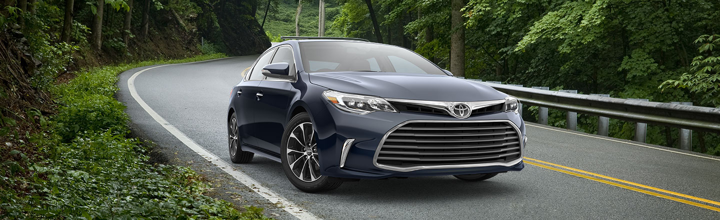 2018 Toyota Avalon at Gosch Toyota