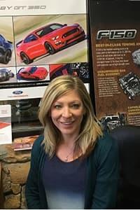 Lisa  Drake  Bio Image