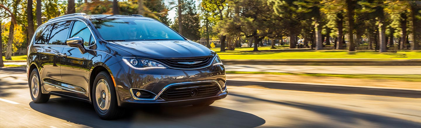 2018 Chrysler Pacifica Hybrid near Tulsa & Broken Arrow, OK