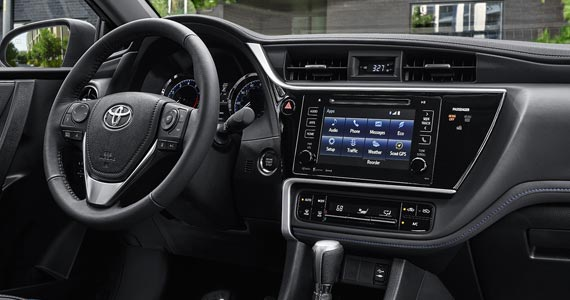 2018 Toyota Corolla Interior & Technology