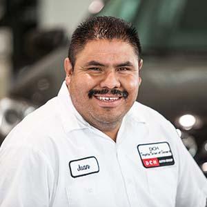 Juan Vela Bio Image