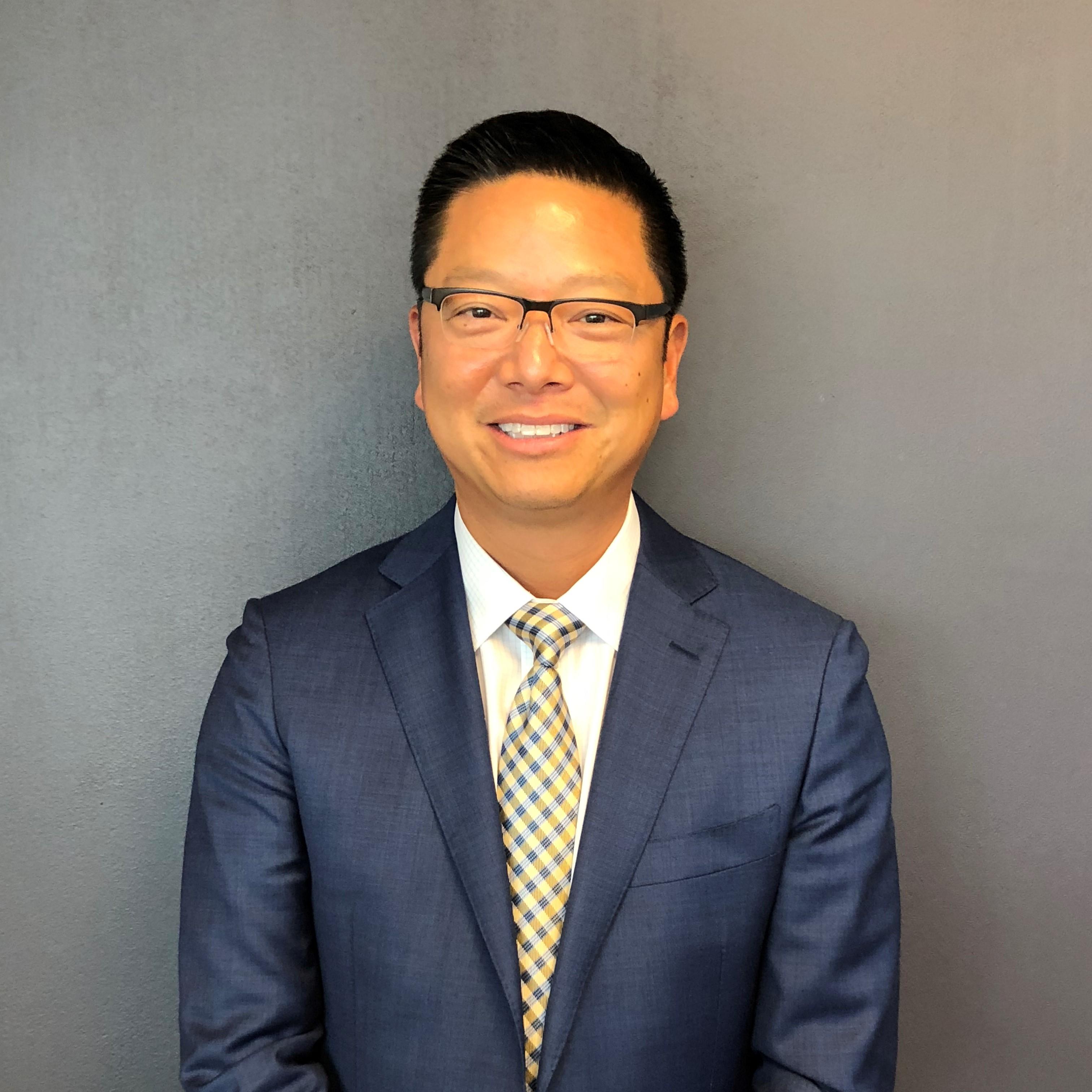 Joey Huang Bio Image