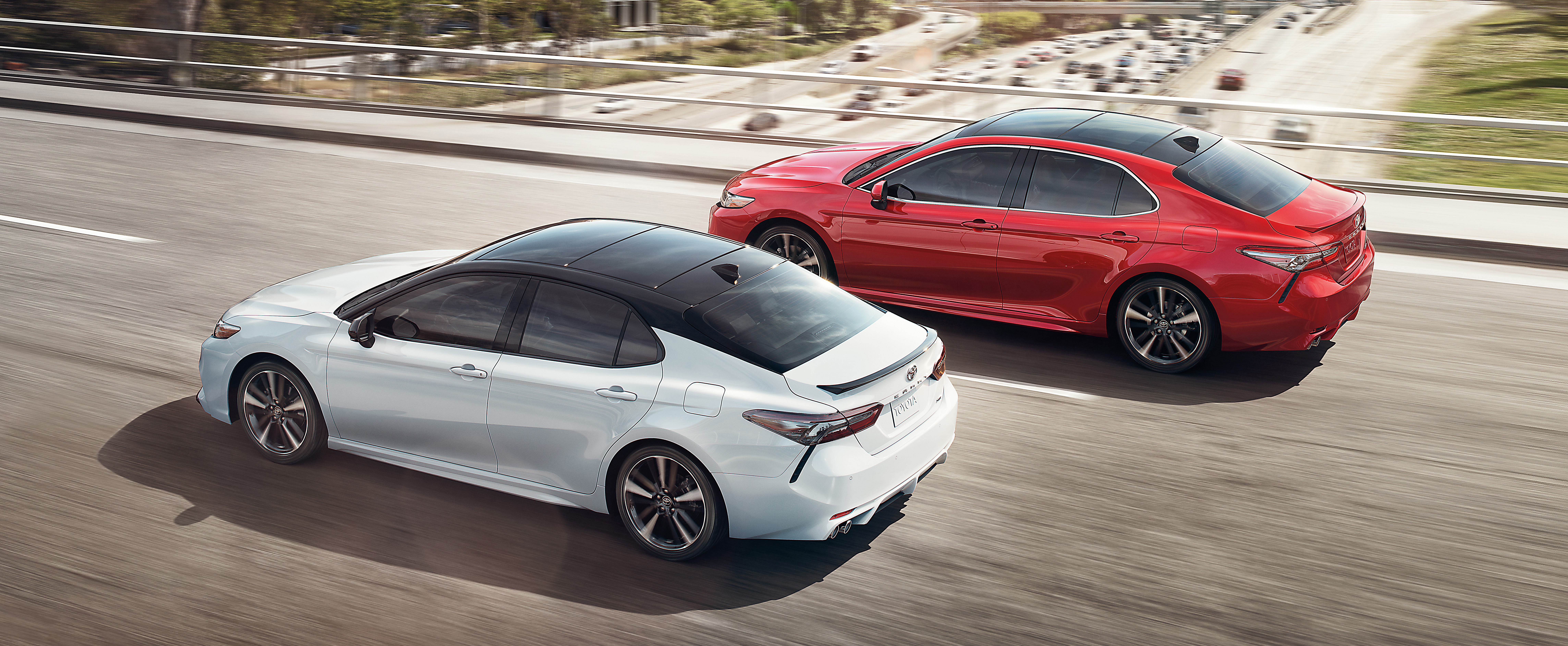 Accord Vs Camry >> The 2019 Toyota Camry Vs The 2019 Honda Accord Which Sedan Is The