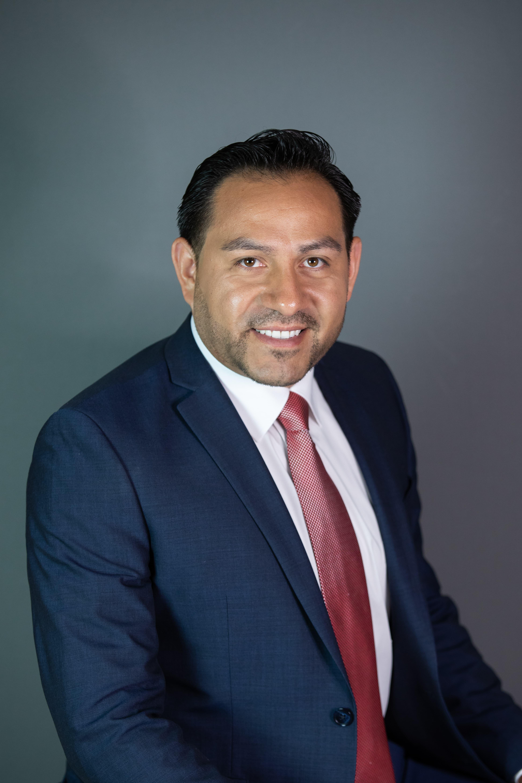 RAFAEL HERNANDEZ Bio Image