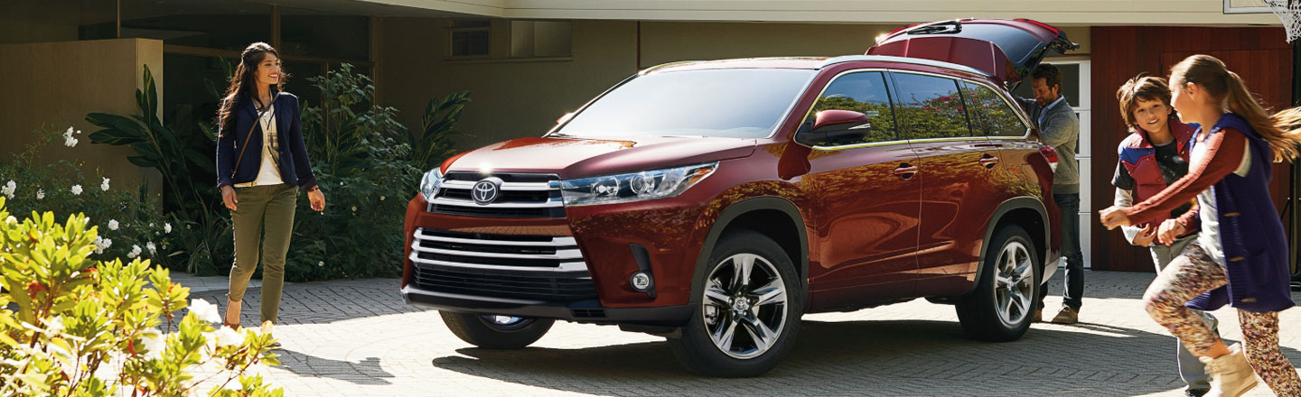 Drive Around Town In The New Highlander SUV From Motorcars Toyota