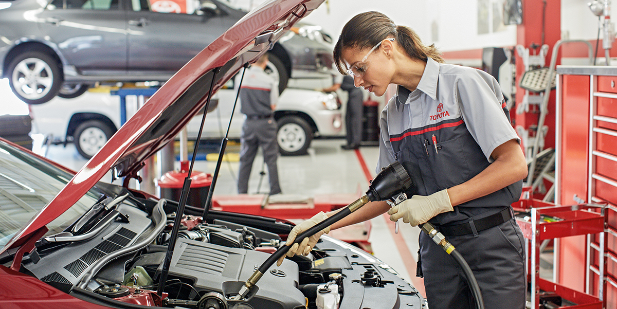 Schedule Your Oil Change | Freedom Toyota of Harrisburg