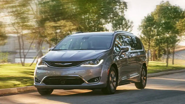 2019 Chrysler Pacifica driving down the road