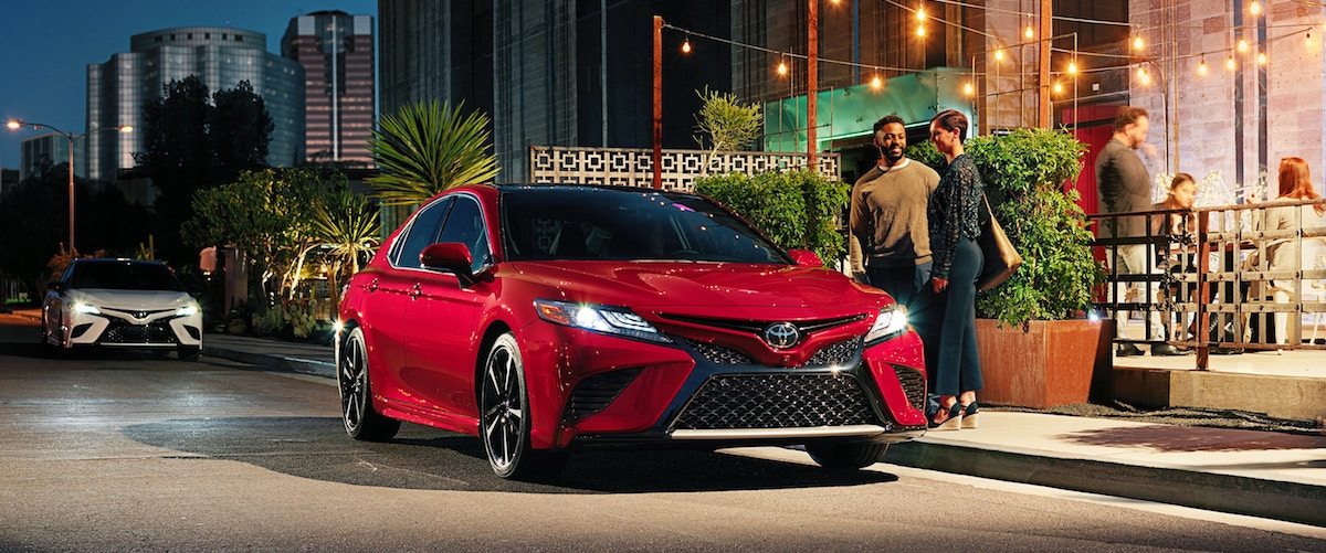 New 2019 Toyota Camry car for sale vs the competition at Ventura Toyota dealership near Oxnard