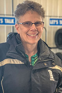 Julie Echelberger Bio Image
