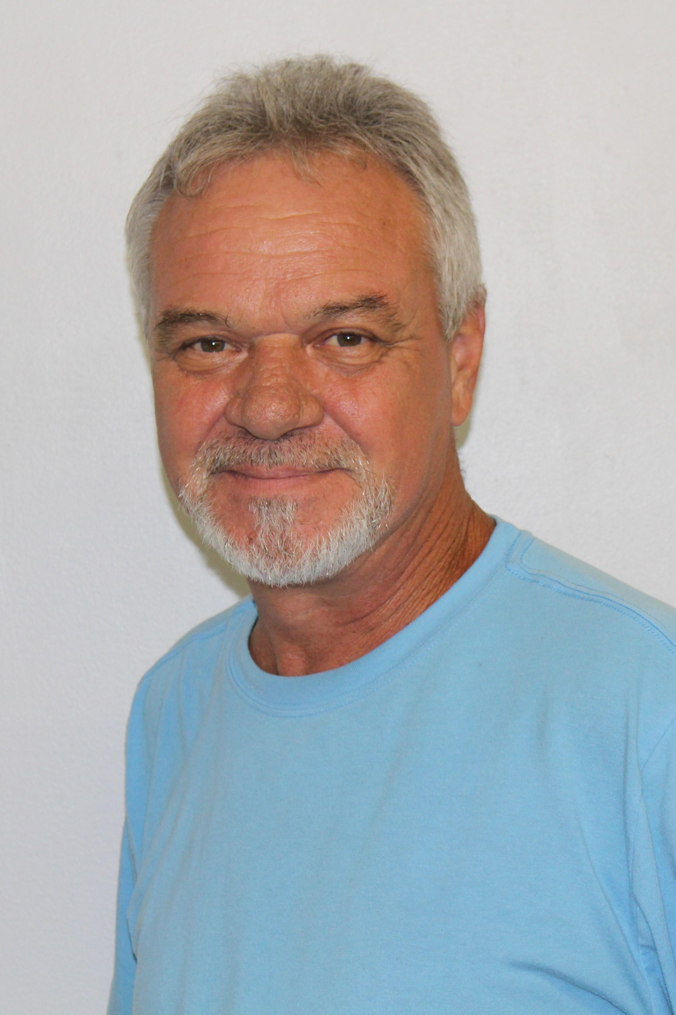 Steve Barton Bio Image
