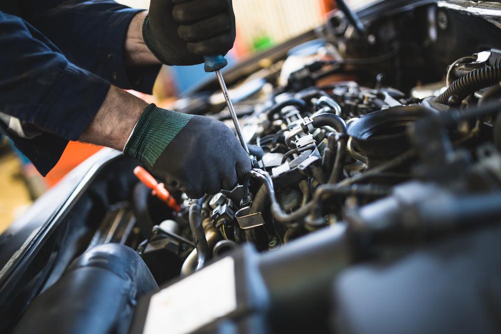 Service Center Maintenance on Engine