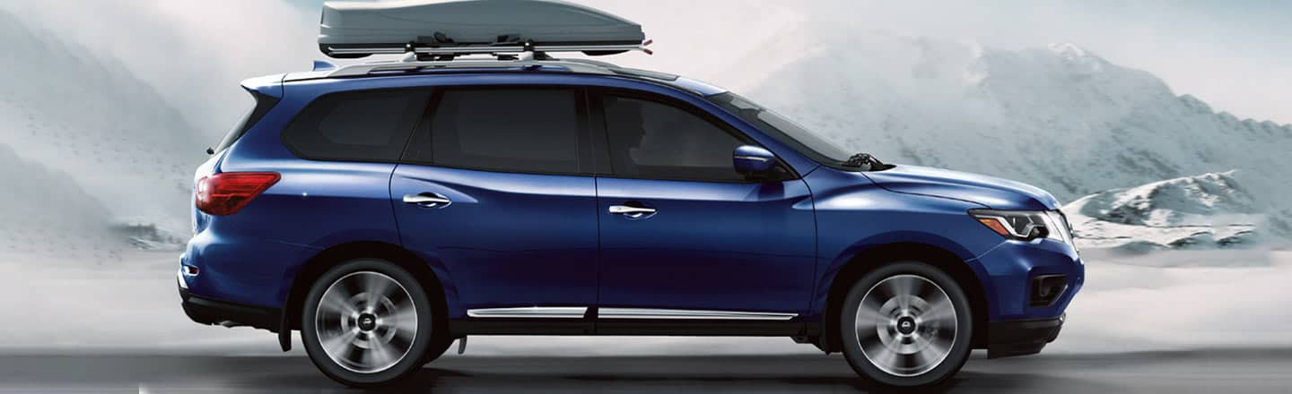 2020 Nissan Pathfinder in Blue in the snow