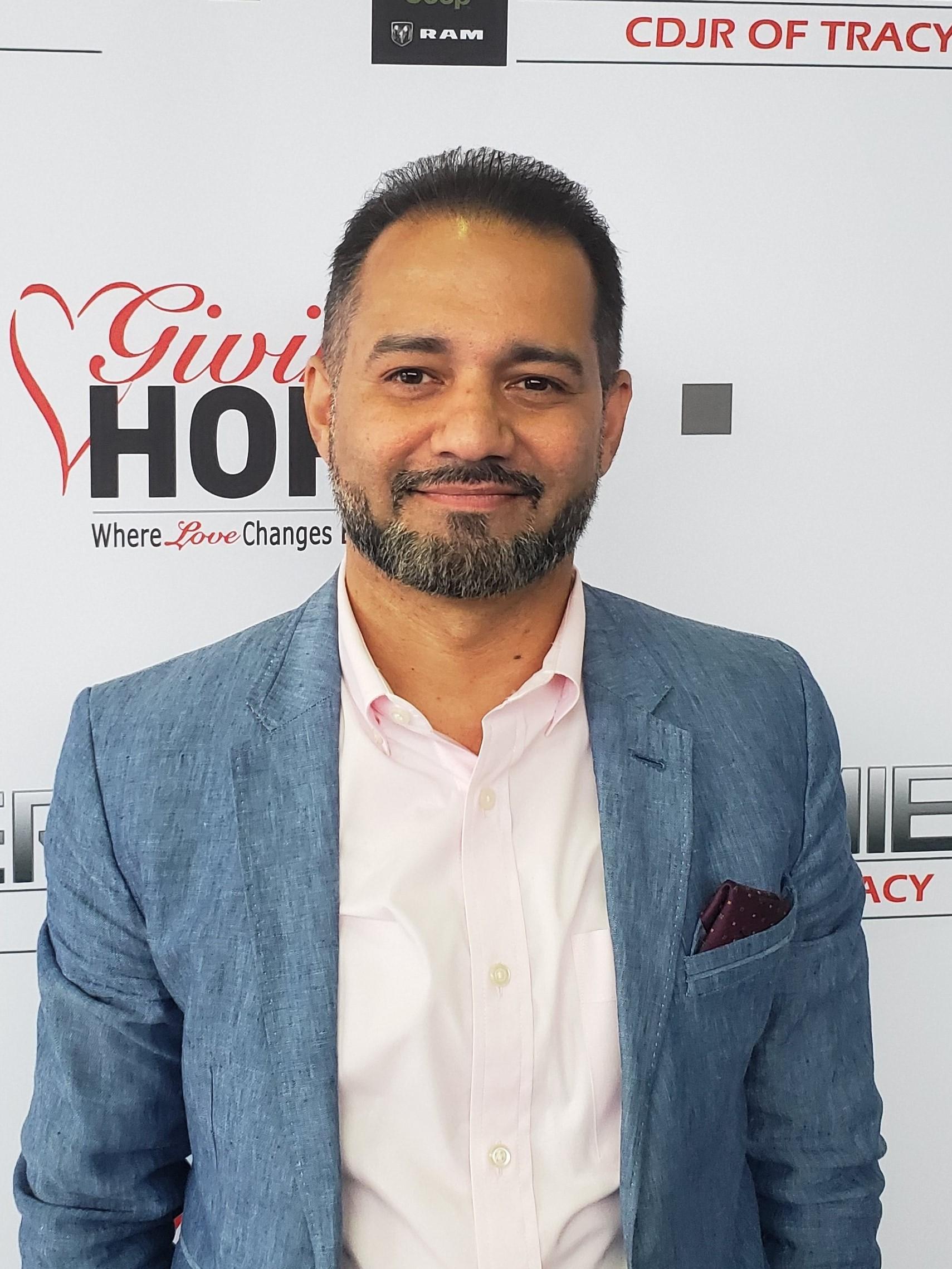 Omid Hatef Bio Image