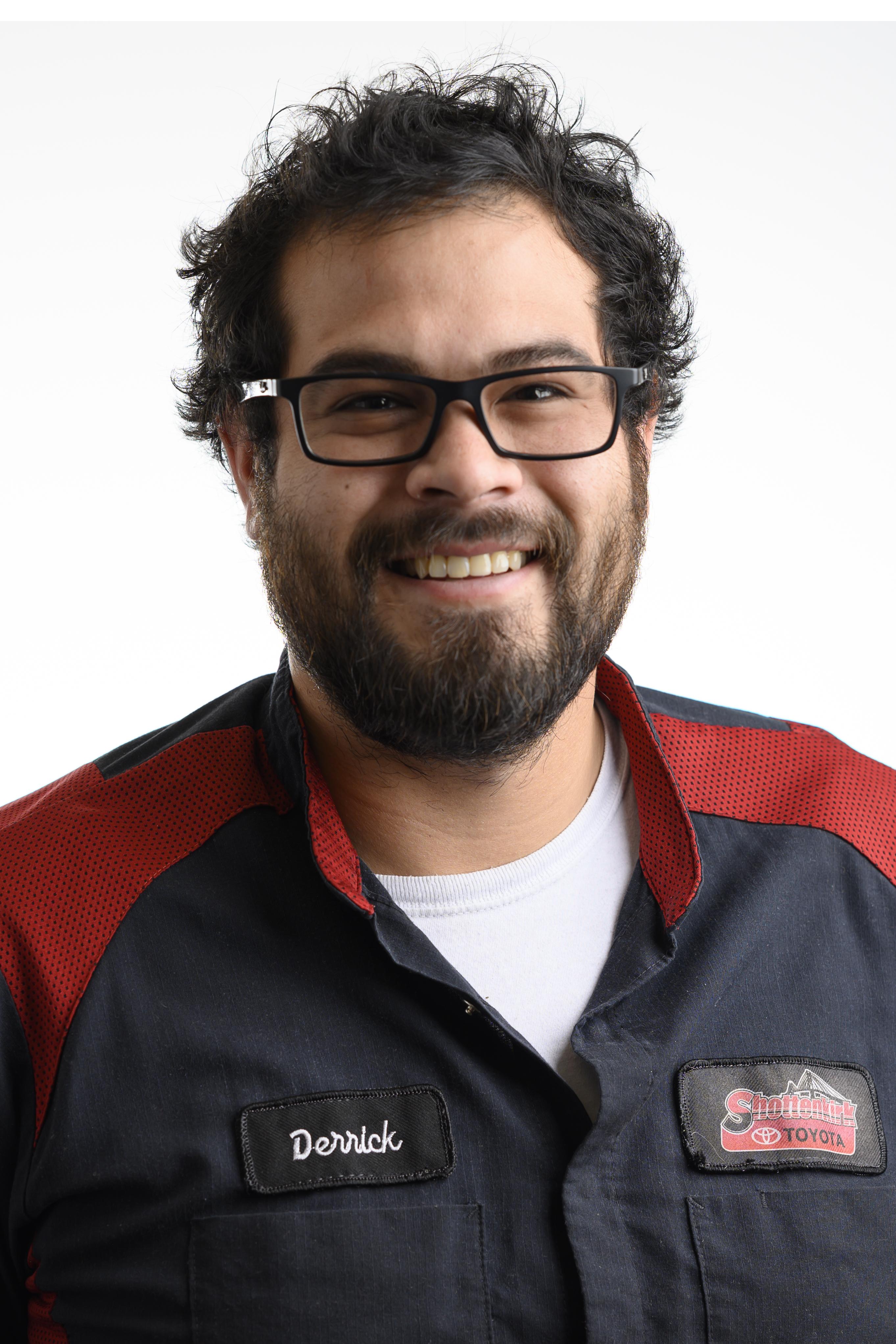 Derrick  Troyer Bio Image