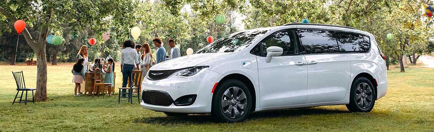 Check Out The Long-Range 2020 Chrysler Pacifica Hybrid In New Iberia