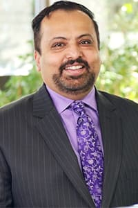 Yusef Paracha Bio Image