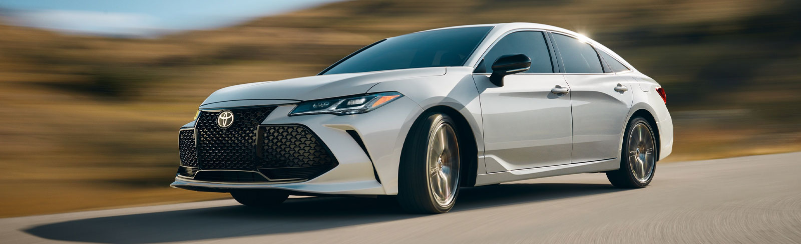 2020 Toyota Avalon Sedan in Cleveland, near Cleveland Heights, OH