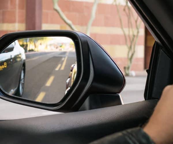 2020 toyota camry lane assist