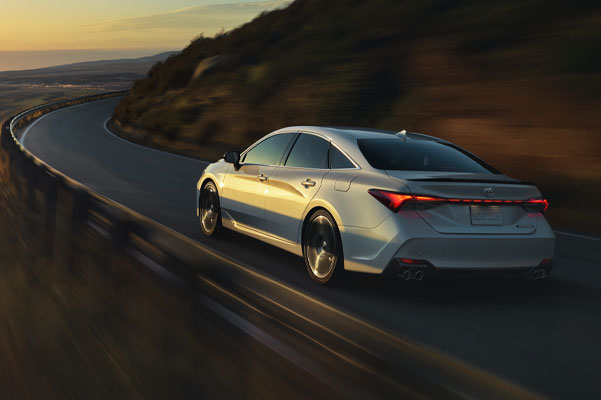 2020 Toyota Avalon Specs & Safety Features