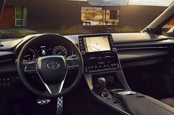 2020 Toyota Avalon Interior & Technology Features