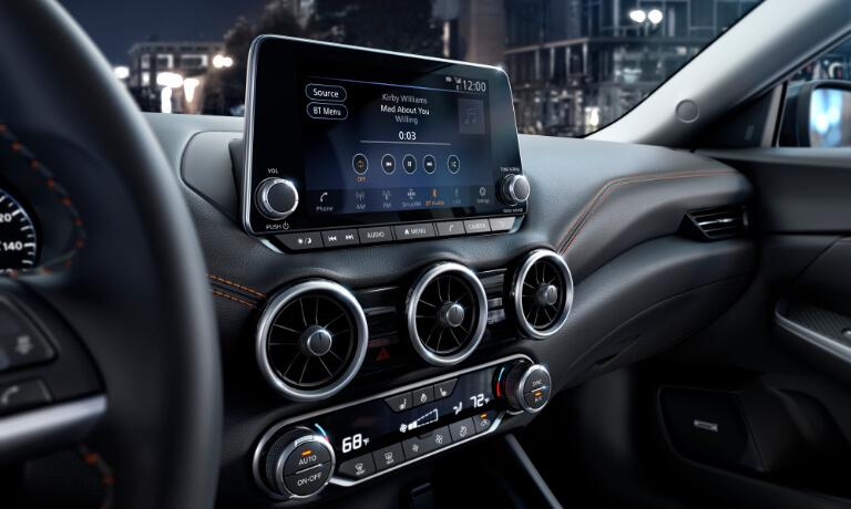 2020 Nissan Sentra infotainment