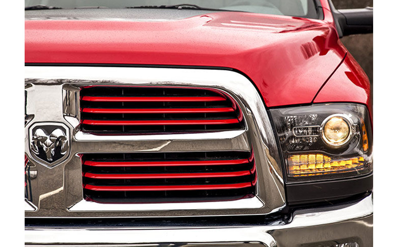 2016 ram 2500 exterior red grille head light