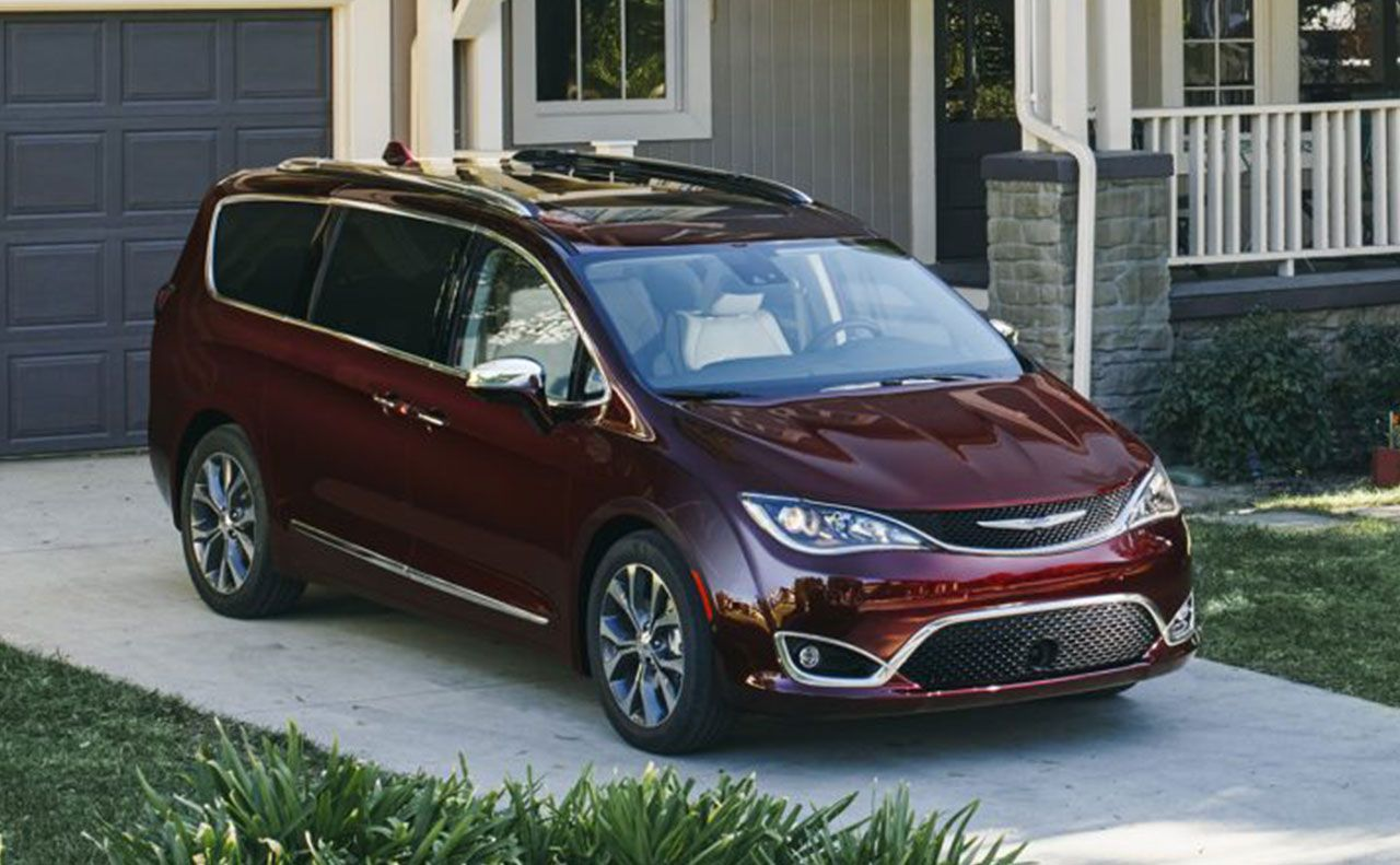 2017 chrysler pacifica exterior dark red rims
