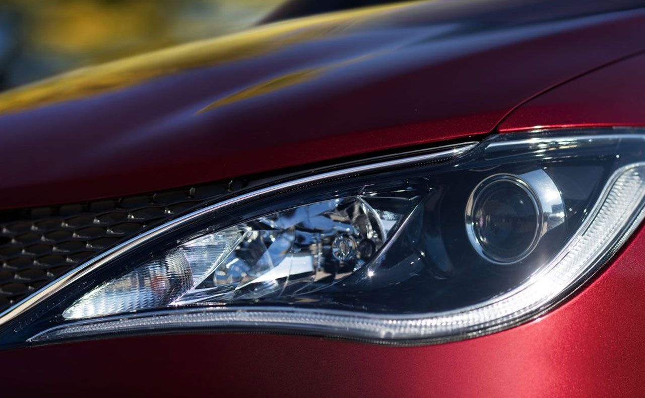 2017 chrysler pacifica exterior headlights reflect grille