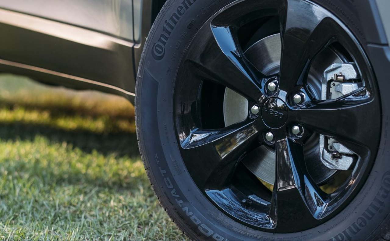 2017 jeep cherokee exterior black rims