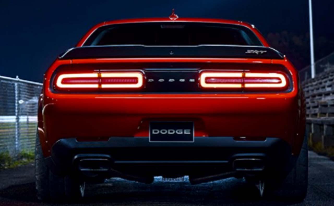 2018 dodge challenger sale exterior tail lights