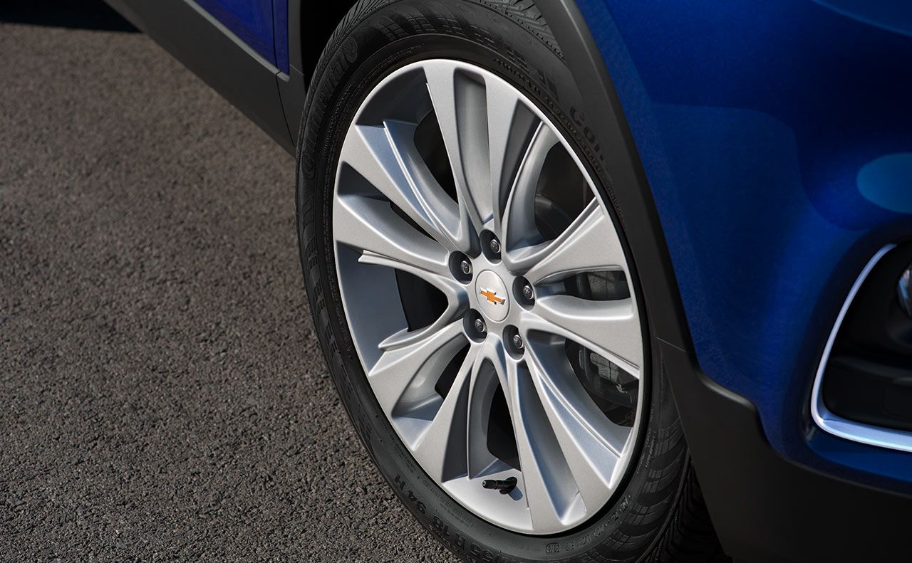2017 chevrolet trax wheels logo