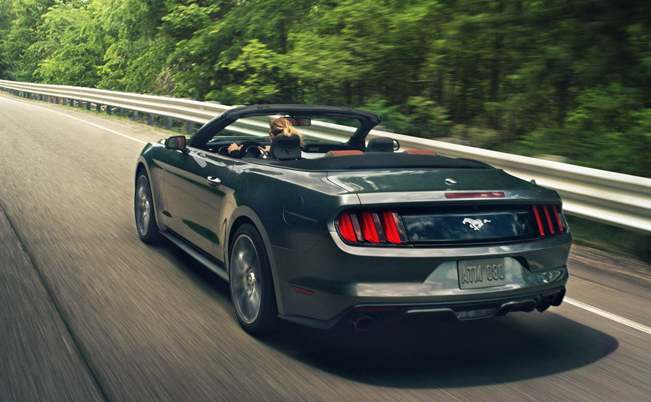 ford mustang exterior drive