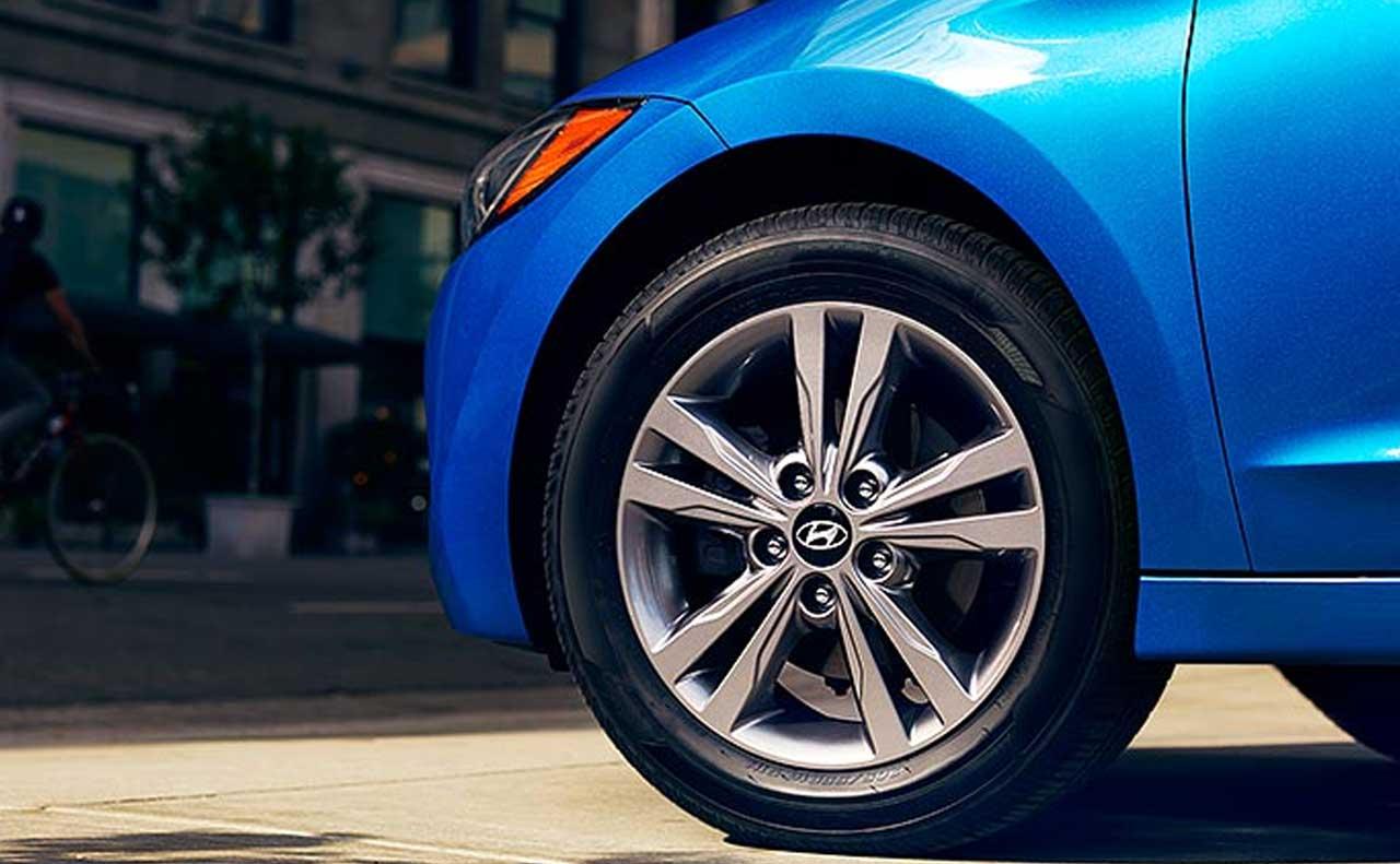 2017 hyundai elantra exterior blue rims wheels