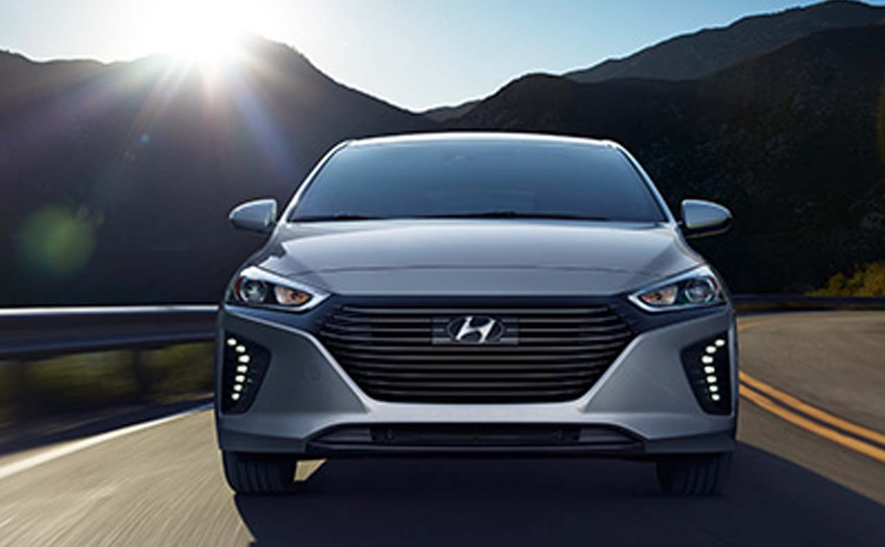 2017 hyundai iconic exterior front hood