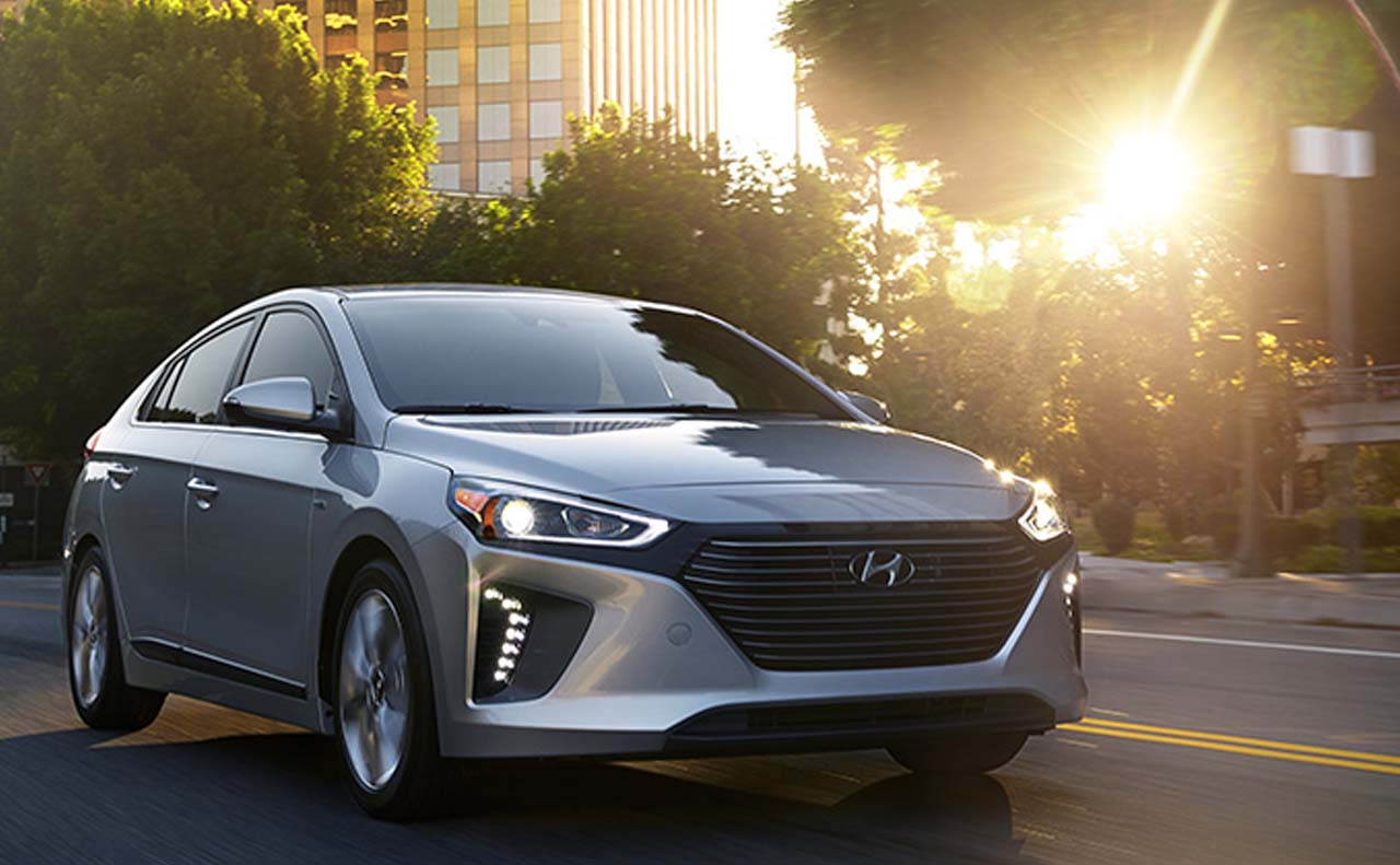 2017 hyundai iconic exterior right side