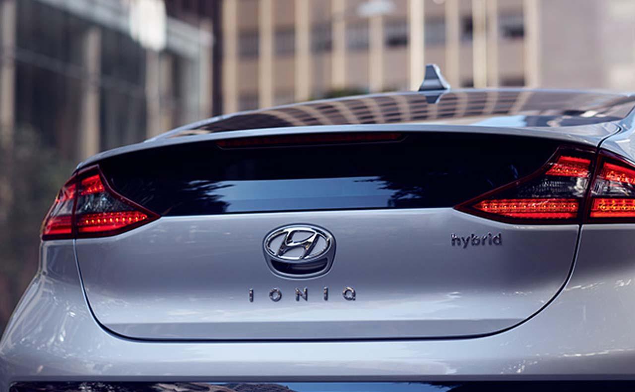 2017 hyundai iconic exterior trunk