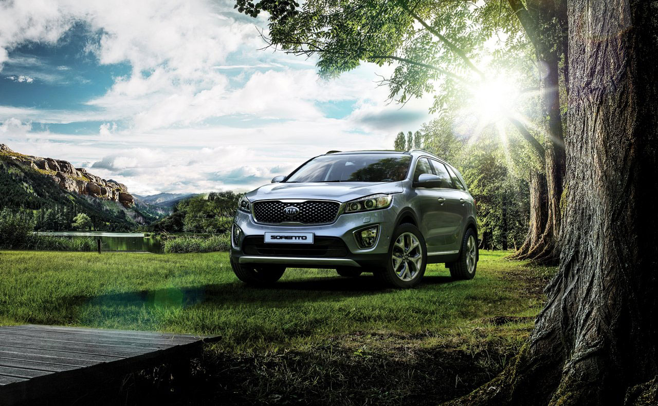 2016 kia sorento exterior parked on grass