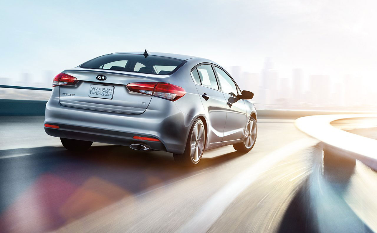 2017 kia forte exterior rear motion turning