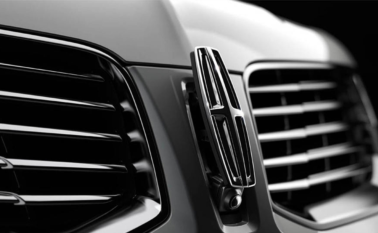 2016 Lincoln MKX logo exterior