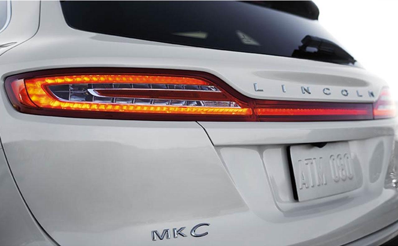 2017 lincoln mkc exterior mkc logo rear hatch