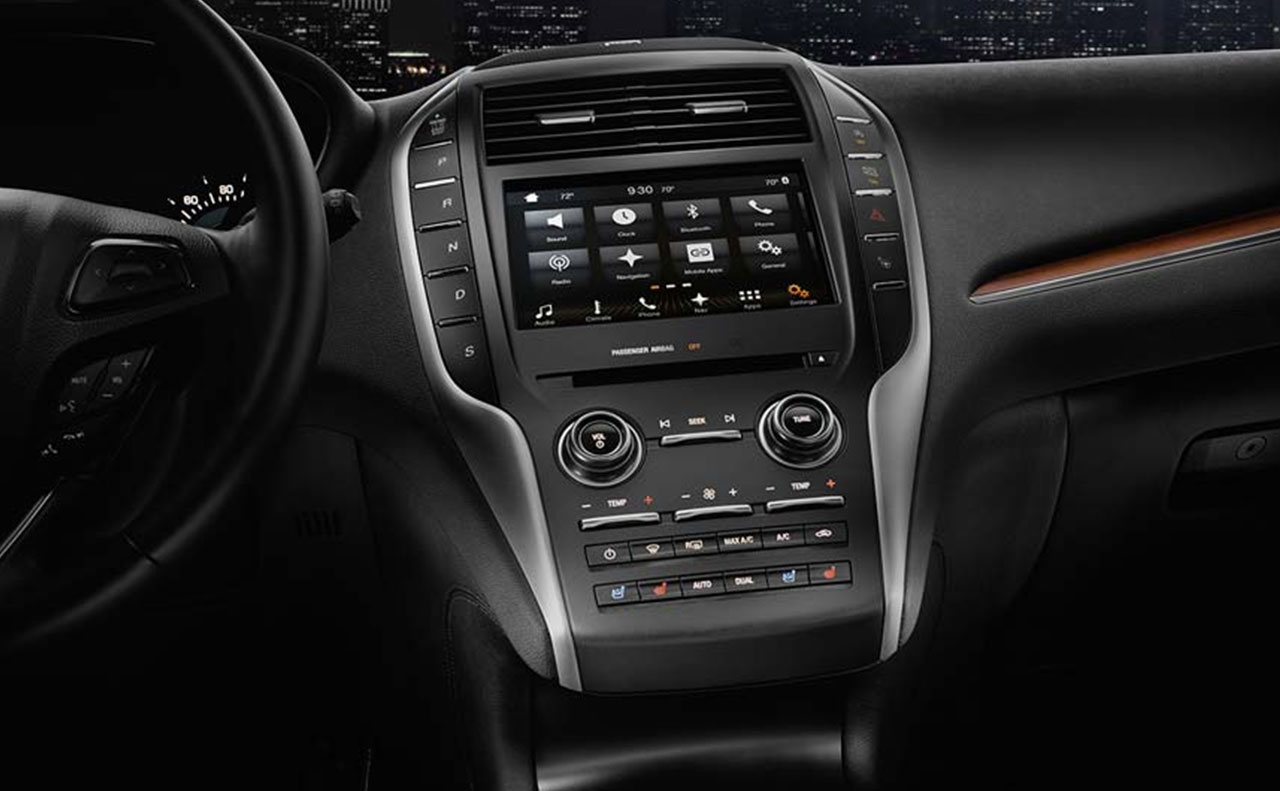 2017 lincoln mkc exterior overview hood white